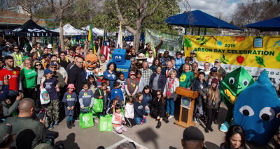 Trees - Arbor Day 2019 crowd photo